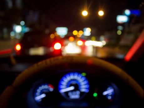 Vrouw kruipt met alcohol achter het stuur van auto met vier kinderen in Volkel