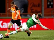 Julius Bliek moet met FC Dordrecht zevenklapper slikken, als invaller