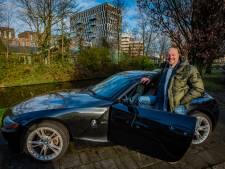 Alleen Frank (54) mag in zijn BMW Z4 rijden: 'Ik draag toch ook niet de Chanel-tas van mijn vrouw?'
