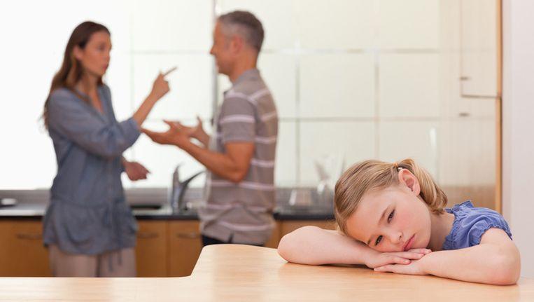 70cbeeda9e342f Seks   Relaties Velen moeten met de feestdagen zijn of haar ex-partner weer  onder ogen komen voor de kinderen. Bij sommigen lopen de spanningen zo hoog  op ...