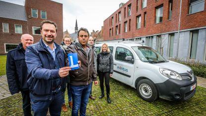 Goeie Brugse chauffeurs gezocht: wie helpt leefloners en vluchtelingen met hun rijexamen?