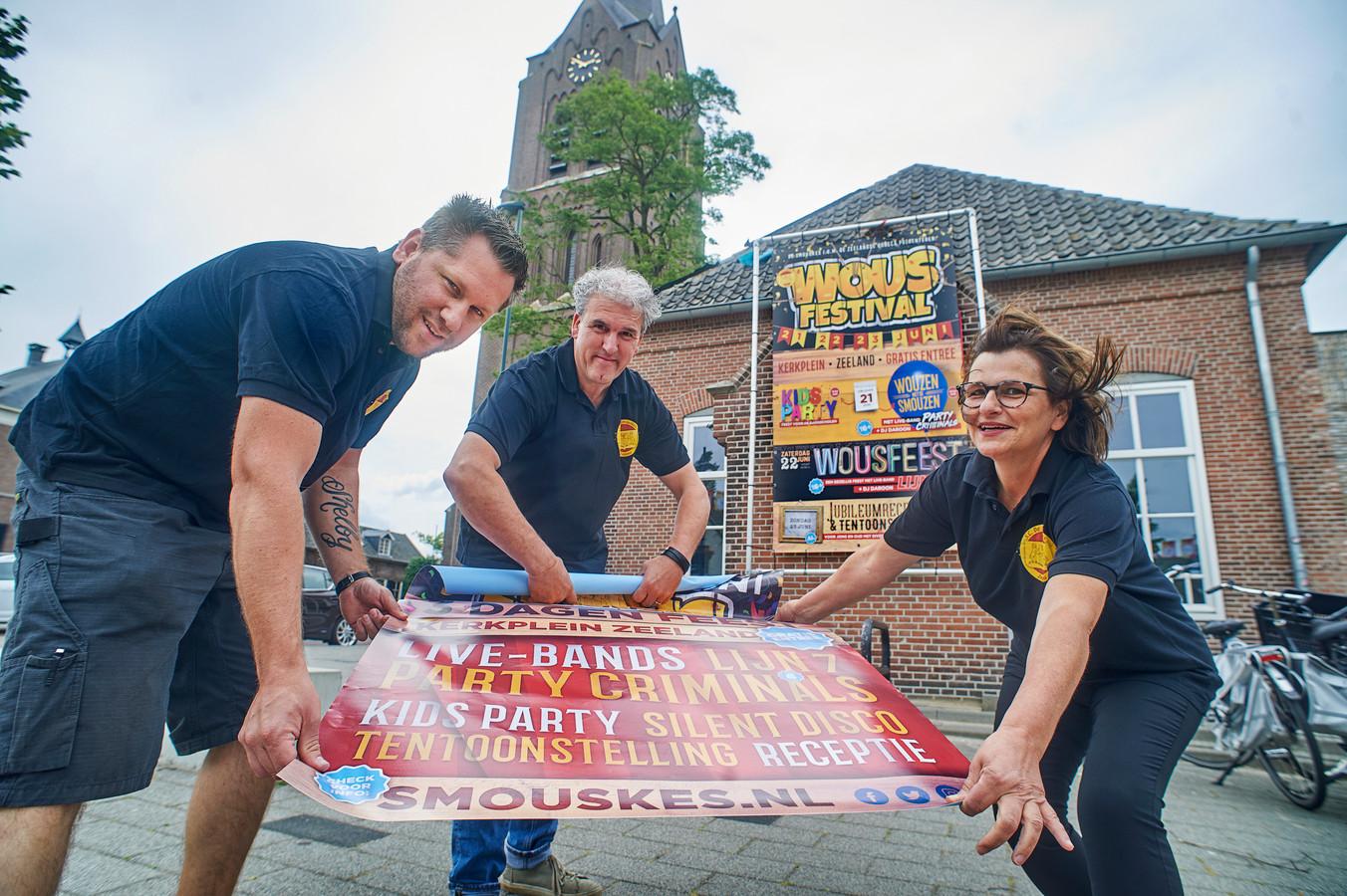 V.l.n.r. Danny van den Heuvel, Theodor van der Cruijsen en Tiny van de Laar maken reclame voor het Wous Festival . Fotograaf: Van Assendelft/Jeroen Appels