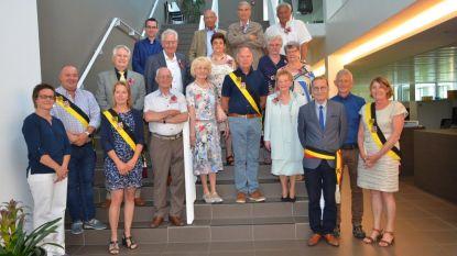 80-jarigen Boekhoute vieren samen verjaardag