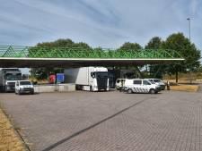 Vrachtwagens gecontroleerd op grens met België bij Hazeldonk