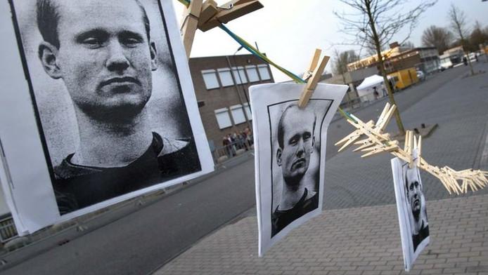 Fortuyn-aanhangers zien liever dat Van der Graaf wasknijpers blijft maken.