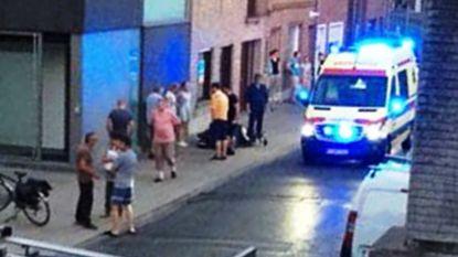 Pizzakoerier (24) onder MUG-begeleiding naar ziekenhuis na aanrijding