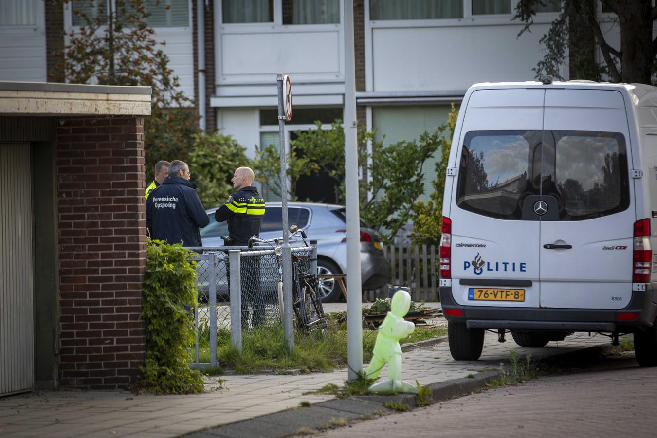 Onderzoek op de Imstenrade in Buitenvelder na de moord.