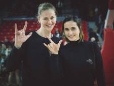 """Campagne Gentse fotografe breekt lans voor Vlaamse Gebarentaal: """"Leer jeugd gebarentaal aan in onderwijs"""""""