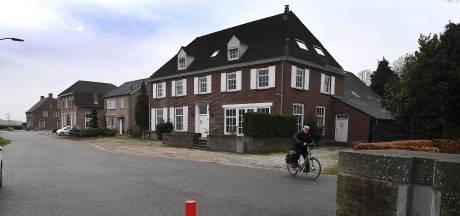 Omstreden opvang van arbeidsmigranten in Maashotel Katwijk van de baan