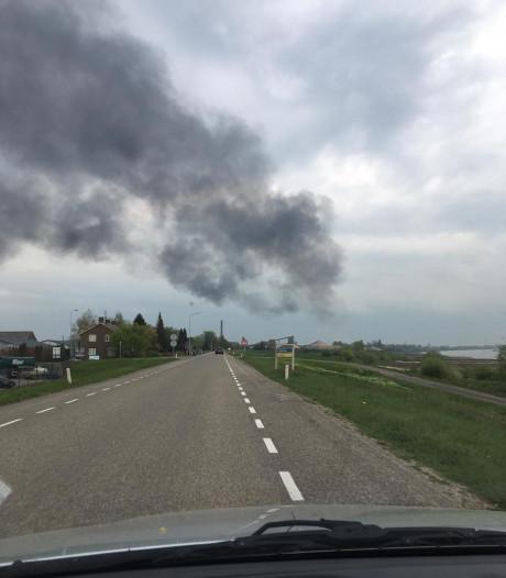 Brand bij Steenfabriek in Spijk: na half uur blussen onder controle