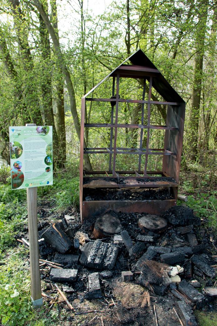Vernielingen in Natuurtuin Zoetermeer.