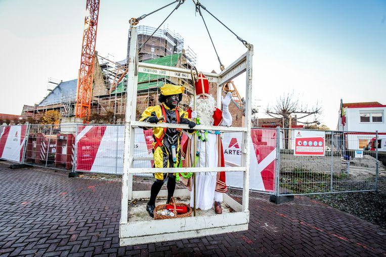 Zwarte Piet en Sinterklaas zetten terug voet aan grond
