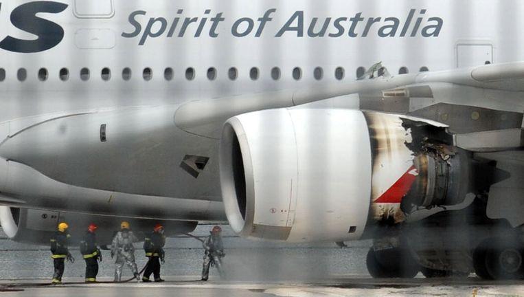 De beschadigde motor van de Airbus A380 die vorige week een noodlanding maakte. Beeld null