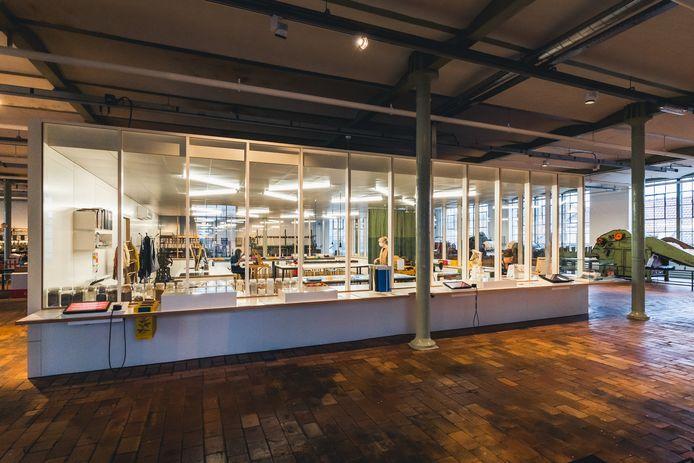 Het nieuwe glazen maakatelier in het Industriemuseum, zeker en vast een bezoek waard.