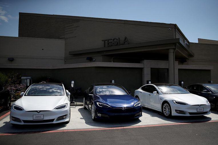Drie Tesla's uit de Model S-reeks. Beeld afp