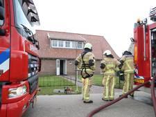 Brandweer gebruikt kettingzaag in woning in Geesteren om zeker te zijn dat brand is gedoofd