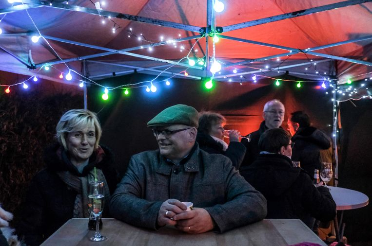 Het hele weekend worden op de valreep nog acties georganiseerd voor de Warmste Week, onder meer op de Meikeverwijk in Kuurne. Daar hebben een aantal kinderen beslist dat ze een drink zouden organiseren voor het goede doel, en gelukkig waren hun ouders daar ook voor te vinden.
