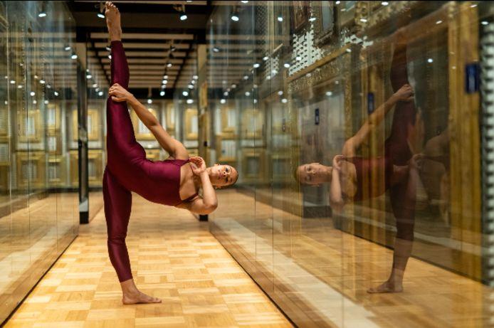 De Nederlandse danseres Maggy van den Heuvel studeert in New York.