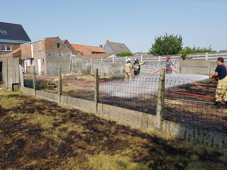 Ook de tuin van de buren deelde in de brokken.