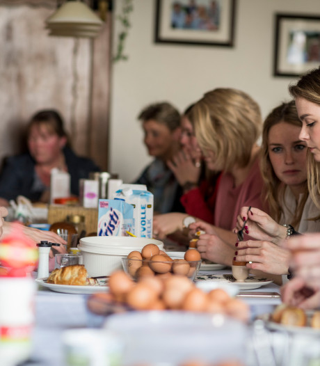 Niels uit De Lutte eet 40 eieren met Pasen: 'Ik heb er nooit last van'