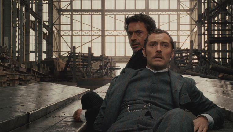 Jude Law en Robert Downey Jr. in Sherlock Holmes. Beeld Warner Bros