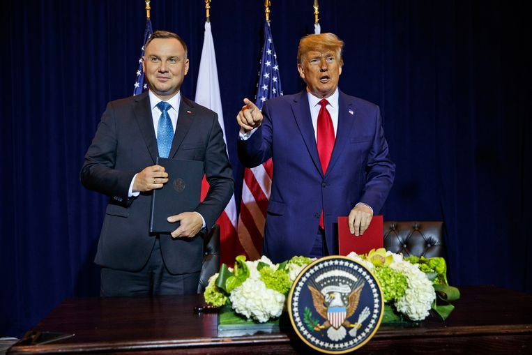 Duda en Trump na het ondertekenen van het militair samenwerkingsakkoord.