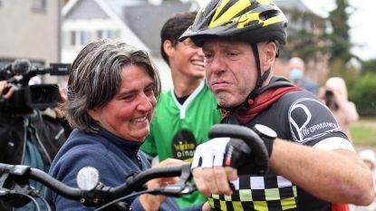 """Geert (53) verbreekt wereldrecord op een 'loopfiets': """"560,3 kilometer...Krampen tot achter mijn oren"""""""