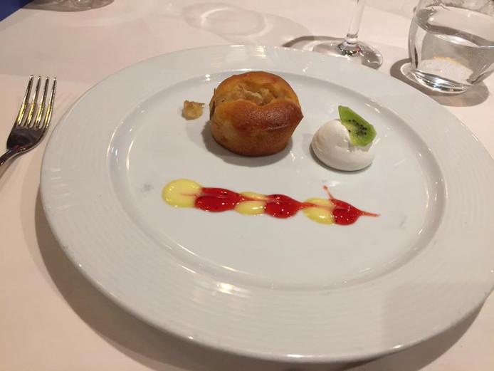 Een dessert op een cruiseschip tussen Griekenland en Italië