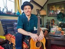 Osse muzikant Robin Borneman mikt op landelijke doorbraak: 'Mijn muziek is niet hip maar wel tijdloos'