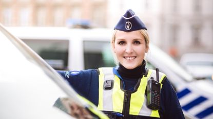 Een job bij de politie: meer praten dan vechten?