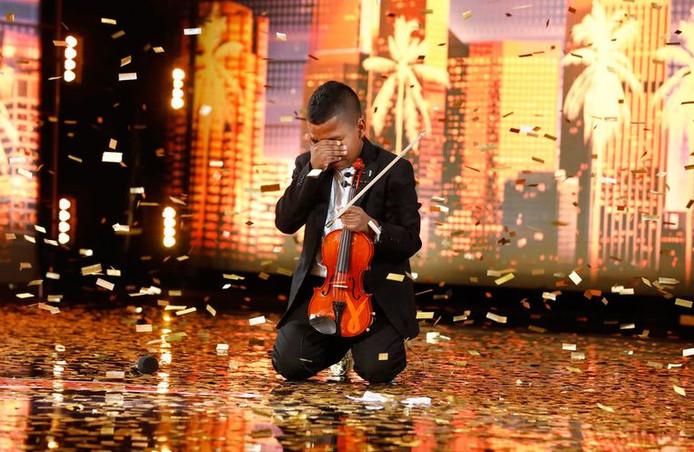 Tyler Butler-Figueroa in tranen door alle spanning.