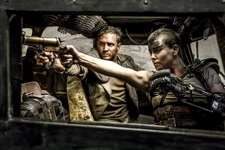 Tom Hardy en Charlize Theron in Mad Max: Fury Road. Beeld .
