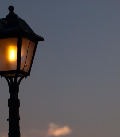 Dimbare straatlampen op Rijksstraatweg Amerongen