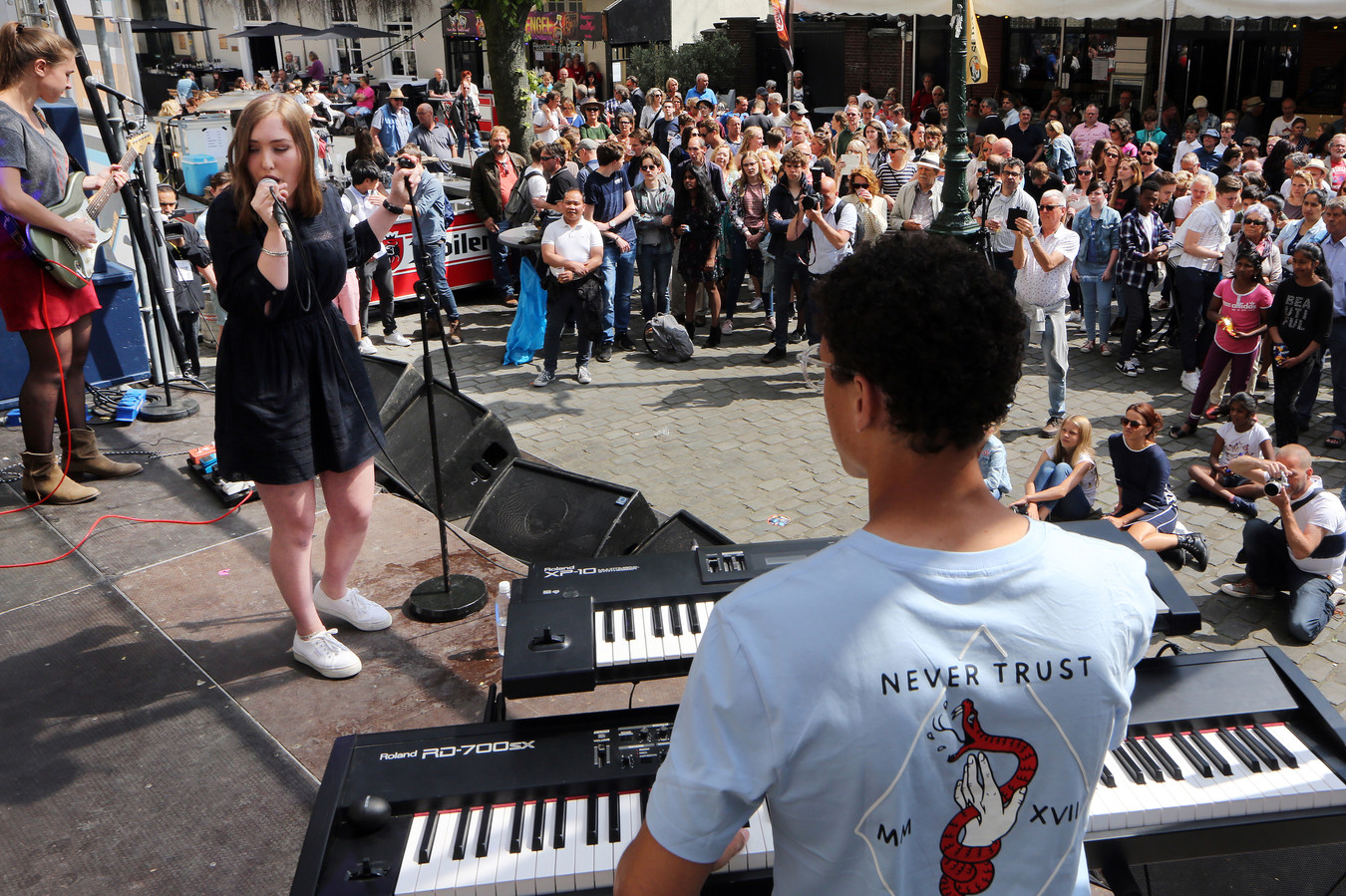 20180511 - Breda - Jazzfestival 2018 - Kerkplein - Jazz at the Castle Talent Award: optreden van 'Bumping Beans' FOTO: RAMON MANGOLD/ PIX4PROFS