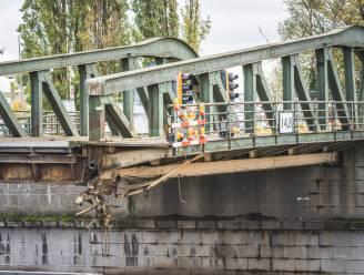 Herstelling Meulestedebrug wordt werk van lange adem, noodbrug voor voetgangers en fietsers komt terug