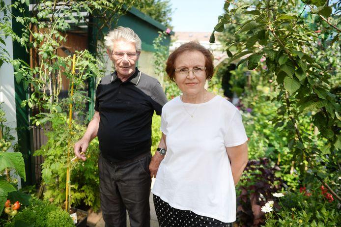 Ernst en Rosa Iepma in hun 'eetbare tuin': ,,Je hebt hier toch niet het gevoel dat je midden in de stad zit?''