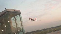 Lijnpiloot haalt gevaarlijke stunt uit met 200 passagiers aan boord, reizigers in paniek