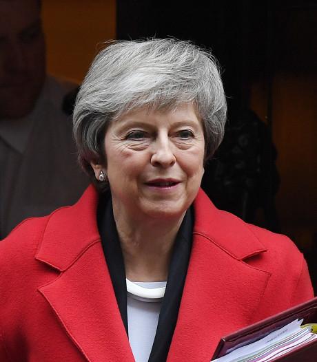 'Geen steun voor brexit, May stelt stemming uit'