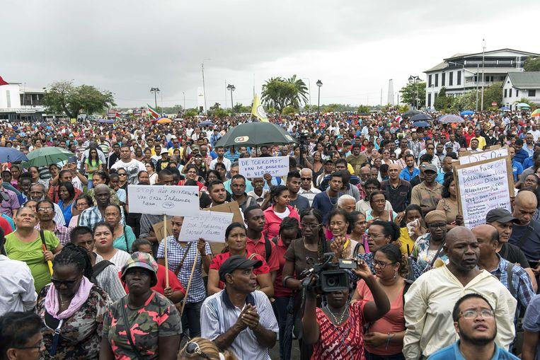 Archieffoto van een demonstratie tegen Bouterse in april. Beeld anp