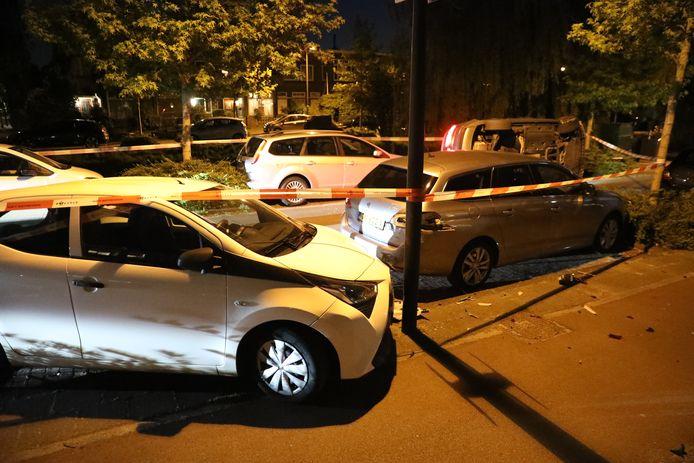 Meerdere auto's werden beschadigd.