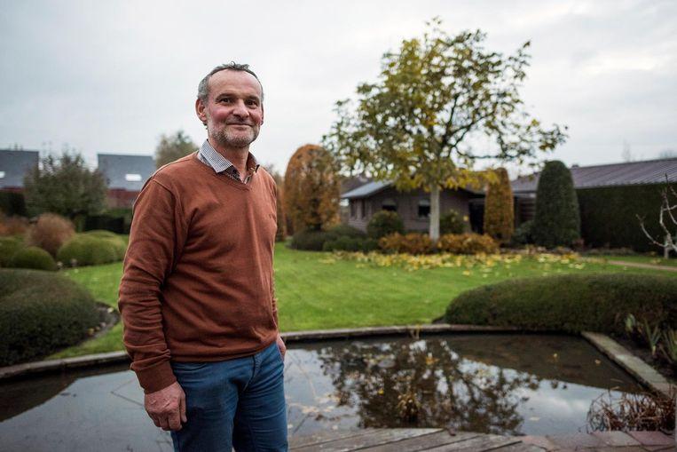 Eddy Lobeau van Tuinhier, hier in zijn eigen tuin, start binnenkort met een lessenreeks moestuinieren om de mensen warm te maken voor het nieuwe volkstuinpark.