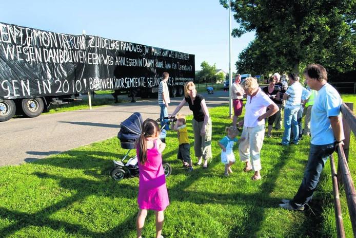 Actie in 2008 tegen de Zuidelijke Randweg. Foto: Henk Rodrigo