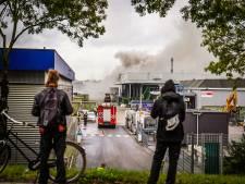 Brand op bedrijventerrein De Hurk in Eindhoven is uit na urenlang nablussen, wegen rondom weer vrijgegeven
