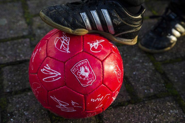 FC Twente moest in 2016 een boete betalen van ruim 45.000 euro en mag drie jaar geen Europees voetbal spelen na onderzoek naar een deal met Doyen Sports.