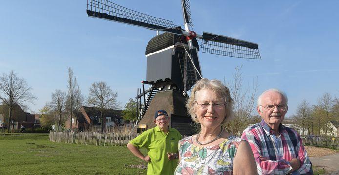 Nieuwegein Molen Oudgein. op de foto Lenie Smit met echtgenoot en molenaarFoto William Hoogteyling