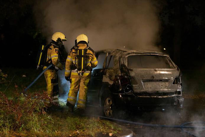 Nadat de brandweer de brand had geblust, begon de politie met een onderzoek. Er is mogelijk sprake van brandstichting.