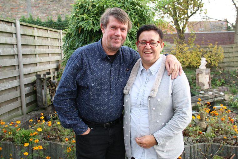 Franky (62) en Chantal (61) hebben drie kinderen waarvan twee met een mentale beperking. Ze gaan nu bij ouders in een gelijkaardige situatie op bezoek om hen op weg te helpen.