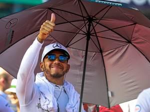 Hamilton sneert naar Rosberg: Vettel is grotere uitdaging
