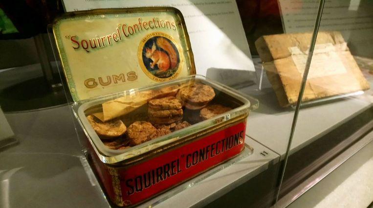 Het blikje kerstkoekjes, gebakken tijdens de Tweede Wereldoorlog, die er bijna tachtig jaar later nog steeds eetbaar uitzien.