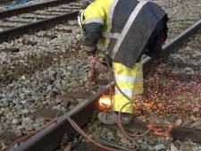 Overgang dicht vanwege spoedreparatie aan spoor in Eefde